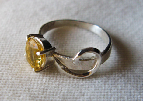 Swirlie Ring, Prong Setting